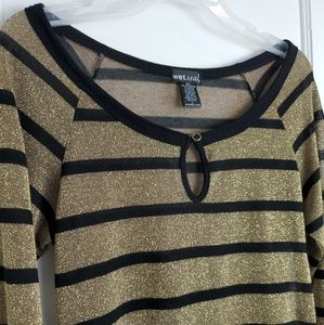 Wet seal womens striped top with keyhole opening